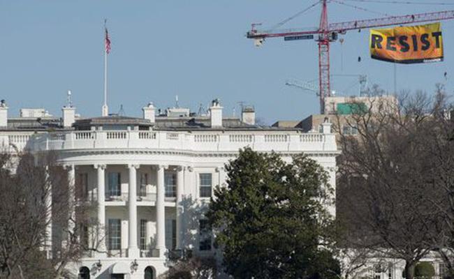 Confianza de estadunidenses sobre economía cayó a nivel más bajo desde las elecciones