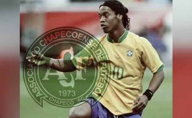 ¡Ronaldinho estaría dispuesto a reforzar al Chapecoense!