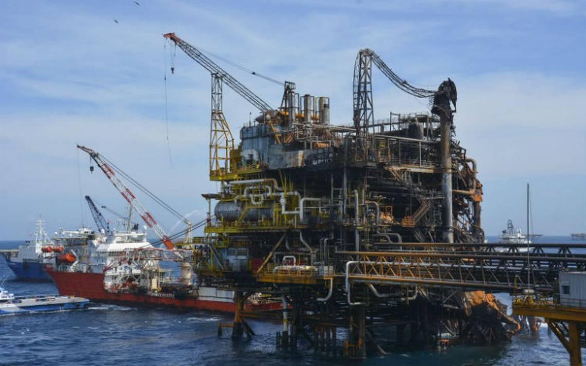 Moody's advierte riesgos para Pemex si se modifica la reforma energética