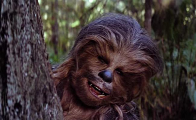 Chewbacca celebra Navidad y te canta Noche de Paz