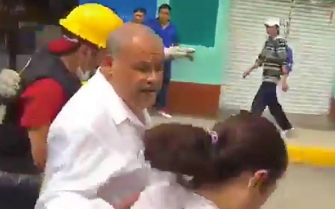 Pobladores de San Gregorio agreden y corren a delegado de Xochimilco
