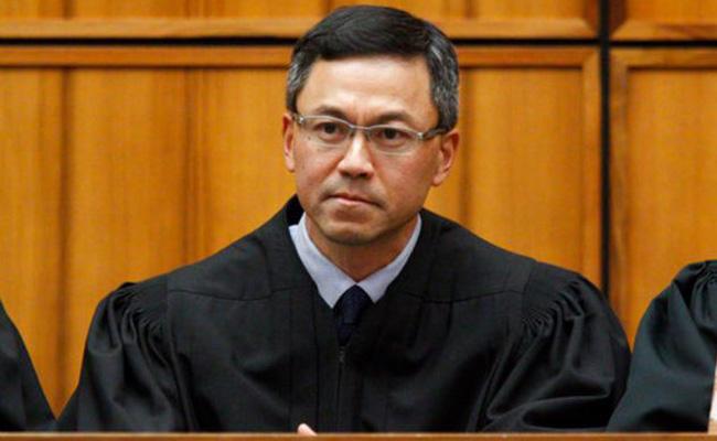 Juez de Hawai amplía bloqueo contra veto migratorio de Trump