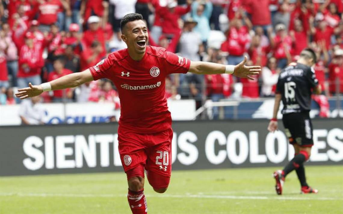 Fernando Uribe anota triplete y mete al Toluca a la final
