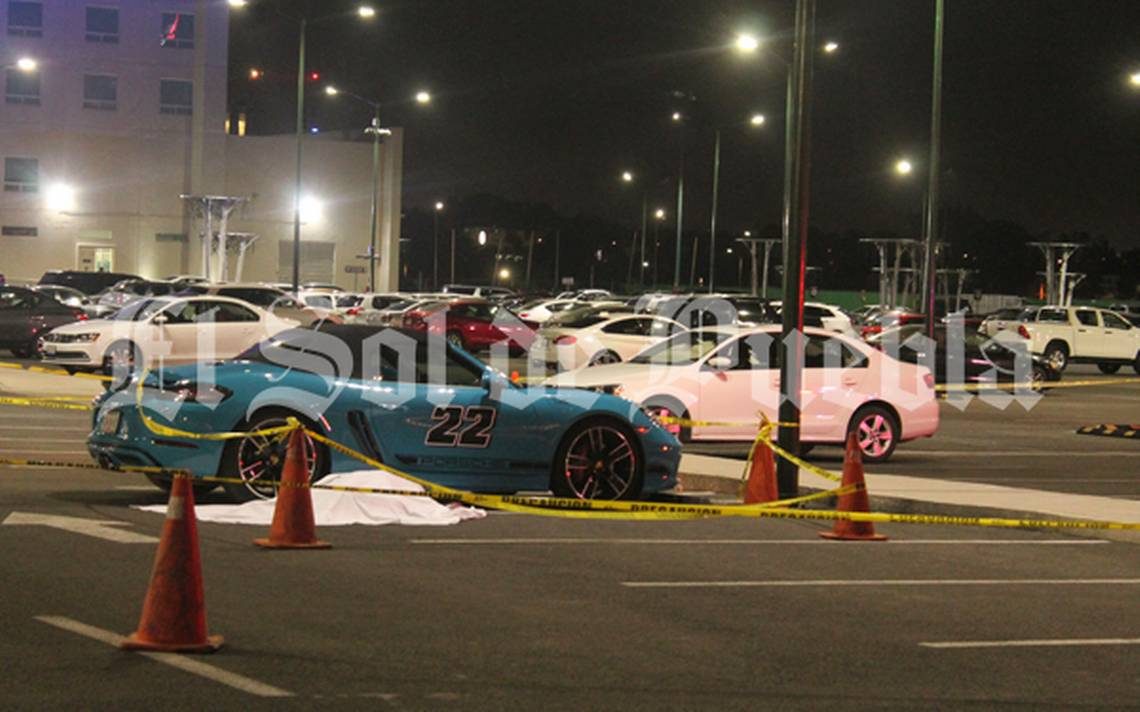 Dueño de Porsche balea en la cabeza a ladrón que intentó robarle su Rolex