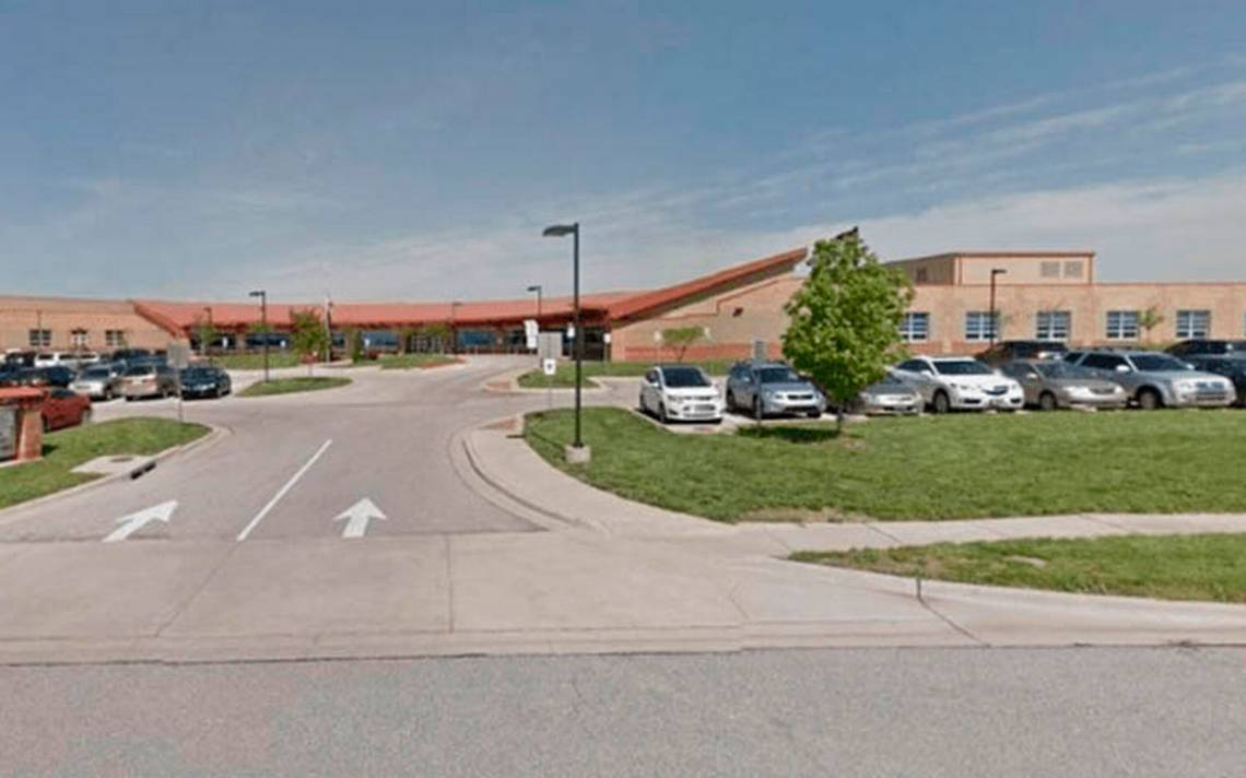 Tiroteo en escuela de Kansas, EU, deja dos heridos