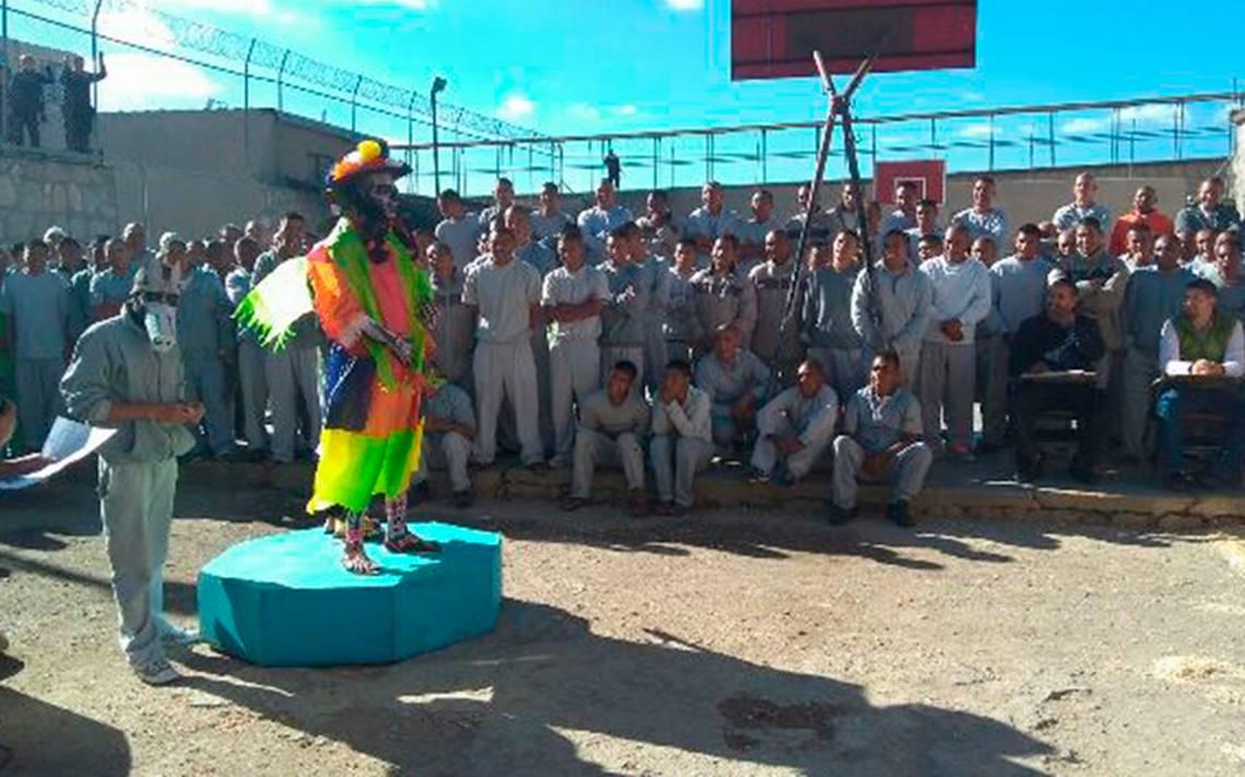 Presos realizan concurso de catrines y catrinas en Cereso de Guachochi
