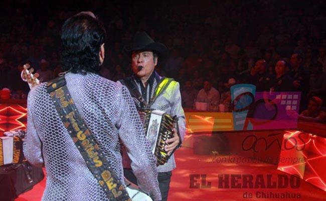 """Podrían subir multas por cantar """"narcocorridos"""" en Chihuahua"""