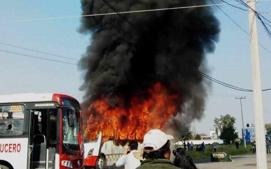 Queman autobuses en Otzolotepec tras accidente que dejó un muerto