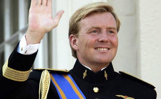 En su 50 cumpleaños el rey de Holanda recuerda a su hermano fallecido