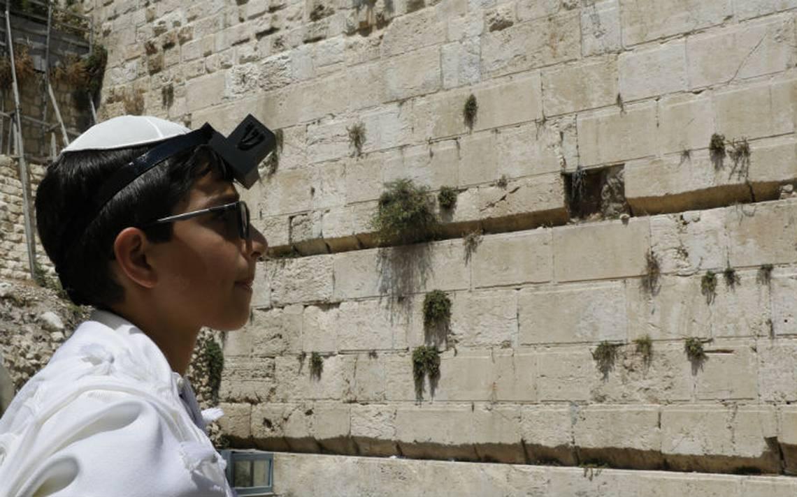 [Video]Cierran parte del Muro de los Lamentos tras caer una piedra de 100 kilos