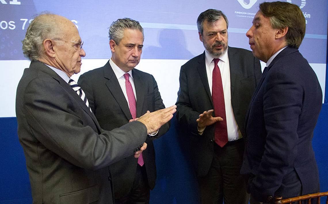 Declaración de bancarrota de AMLO no afecta los mercados: Harp Helú