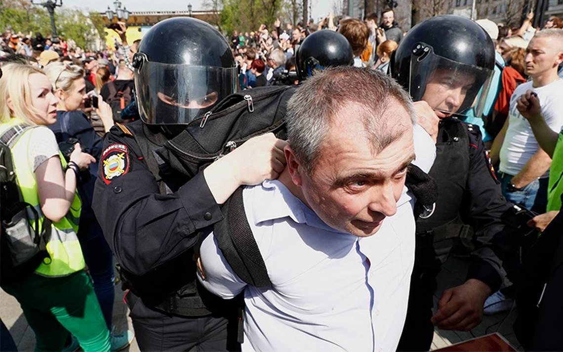 Más de 1,200 detenidos en Rusia durante protesta ante investidura de Putin