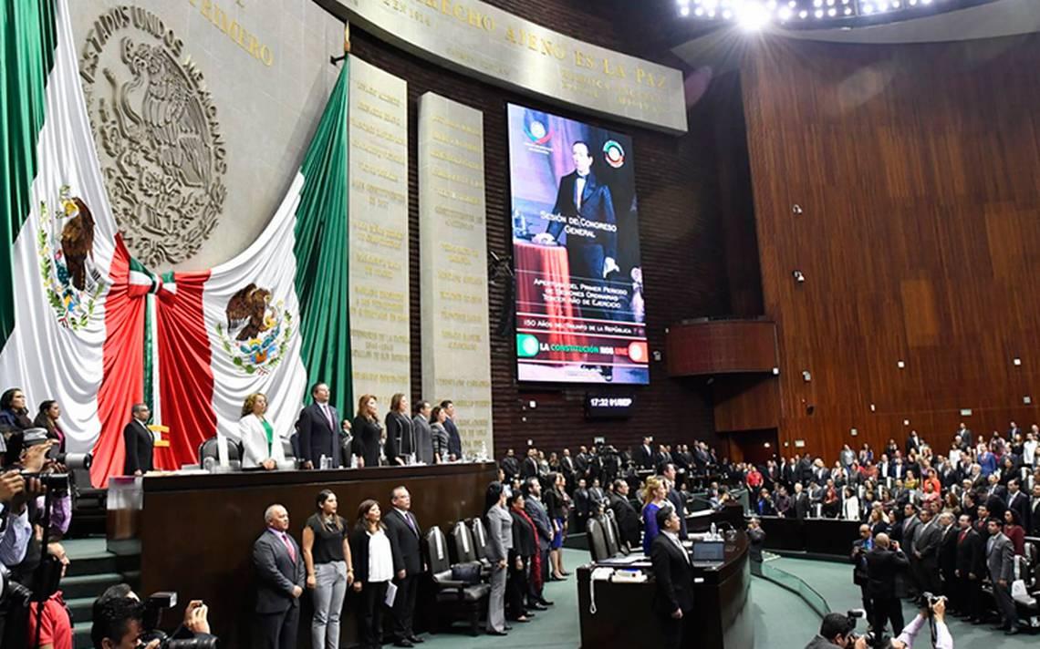 Ernesto Cordero recibió aplausos de los diputados del PRI