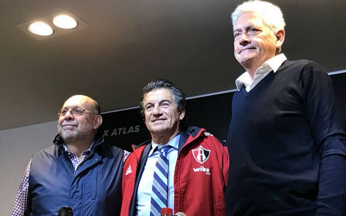 """""""No es un plantel vasto pero tiene jugadores con calidad"""", habla Romano a su llegada al Atlas"""