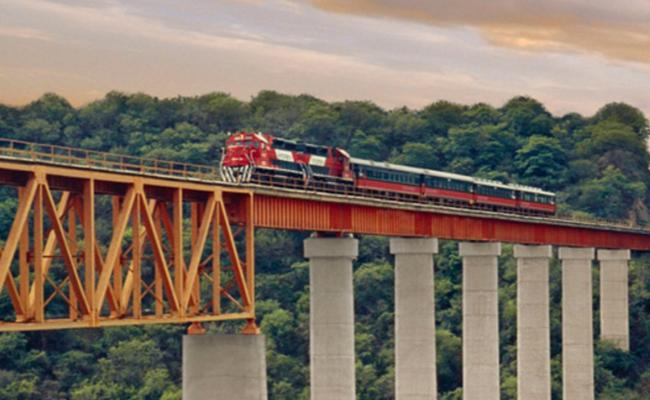 Miles de usuarios del Tren Chepe afectados por bloqueos