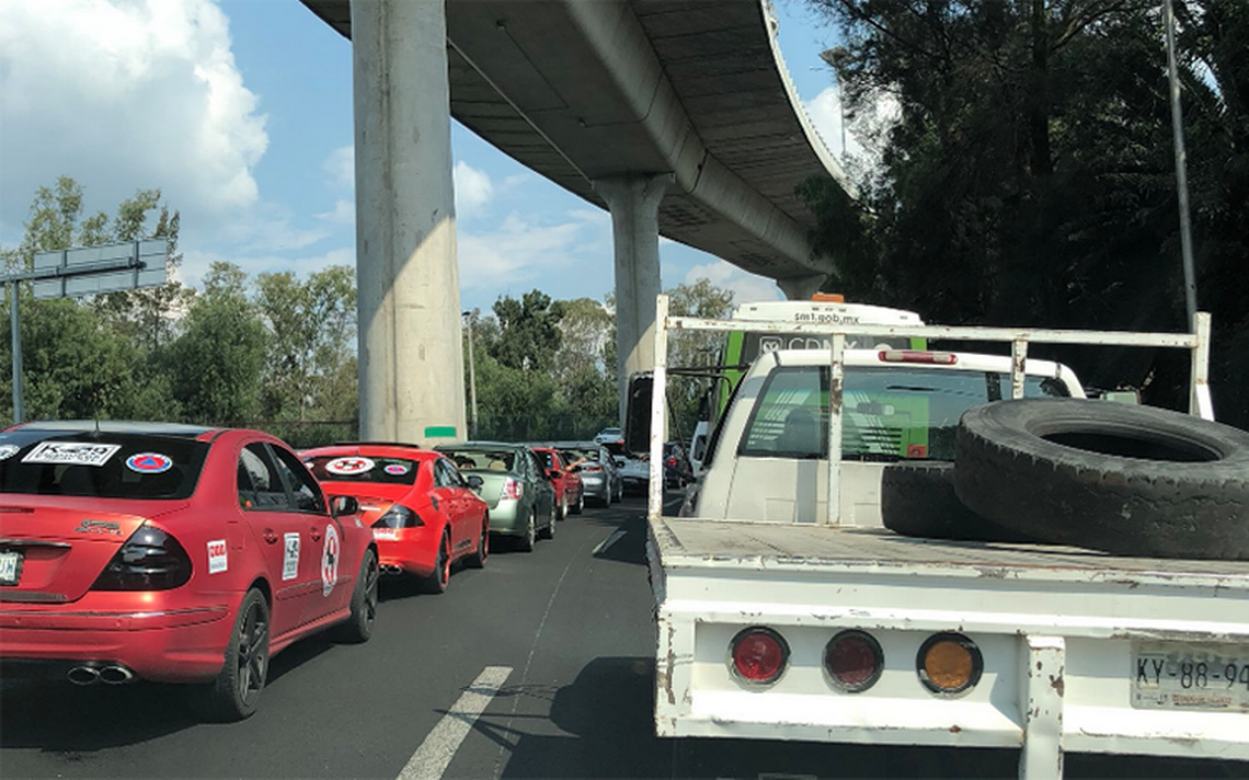 Bloqueo en caseta de Tlalpan complica salida en la México-Cuernavaca