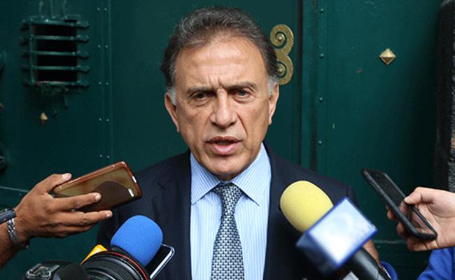 Anuncia Yunes Linares rescate de unidades médicas y hospitales
