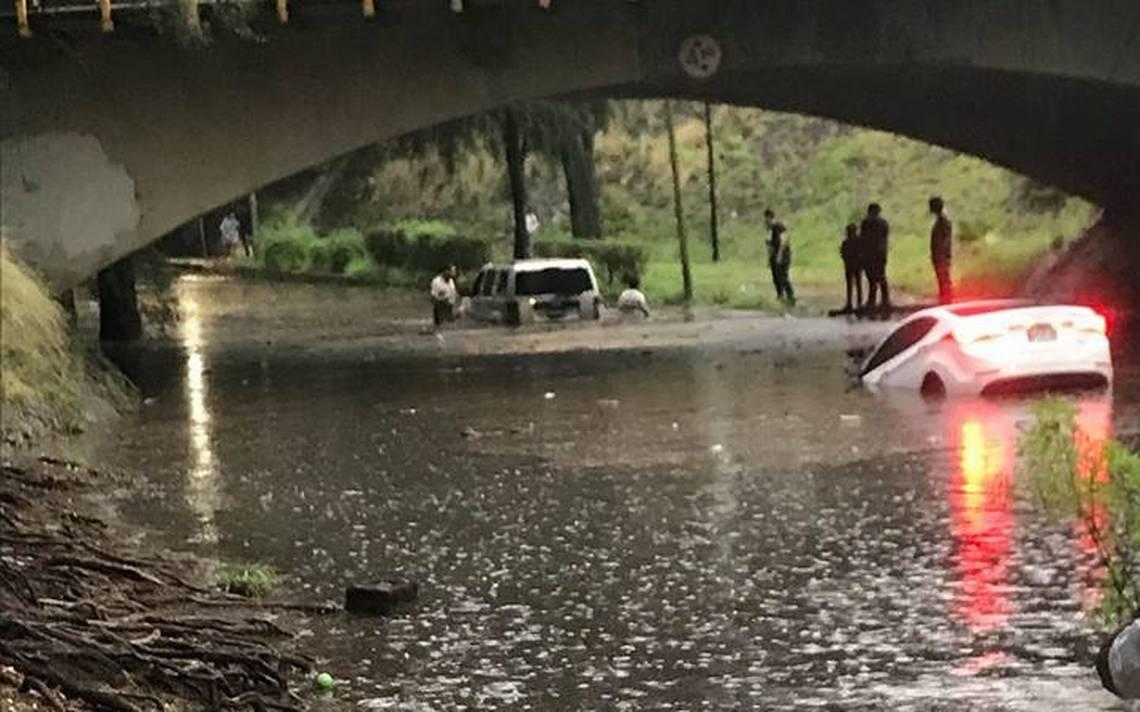 Tormenta genera caos en la Zona Metropolitana de Guadalajara