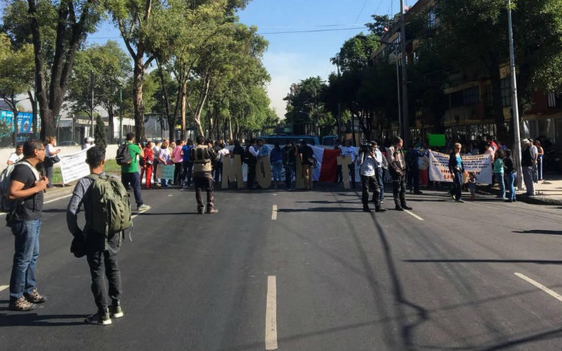 Damnificados del 19S bloquean Tlalpan a la altura del multifamiliar