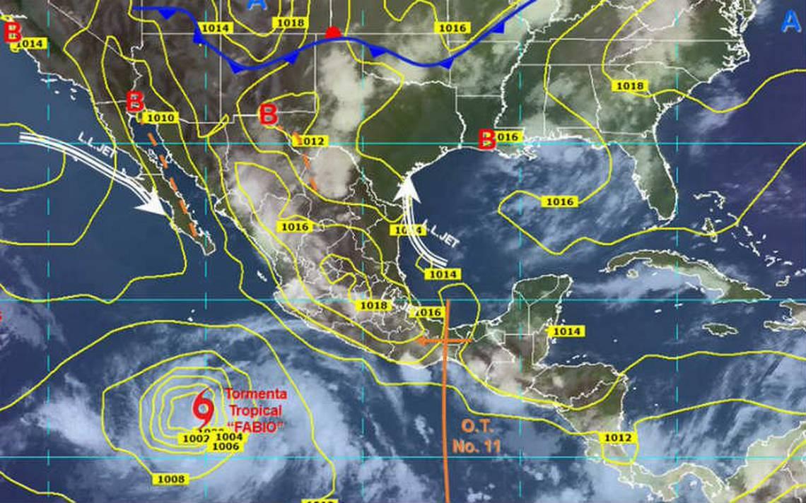 Tormenta Fabio se intensifica en costas de Jalisco