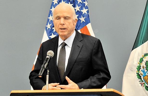 """""""Graves consecuencias"""" para Arizona y EU, dice el senador McCain"""