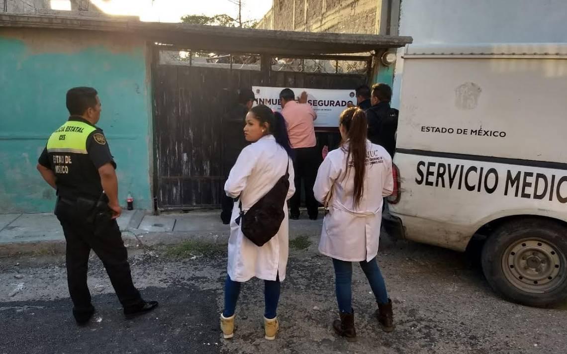 Encuentran dos cadáveres en fosa clandestina en Tecámac