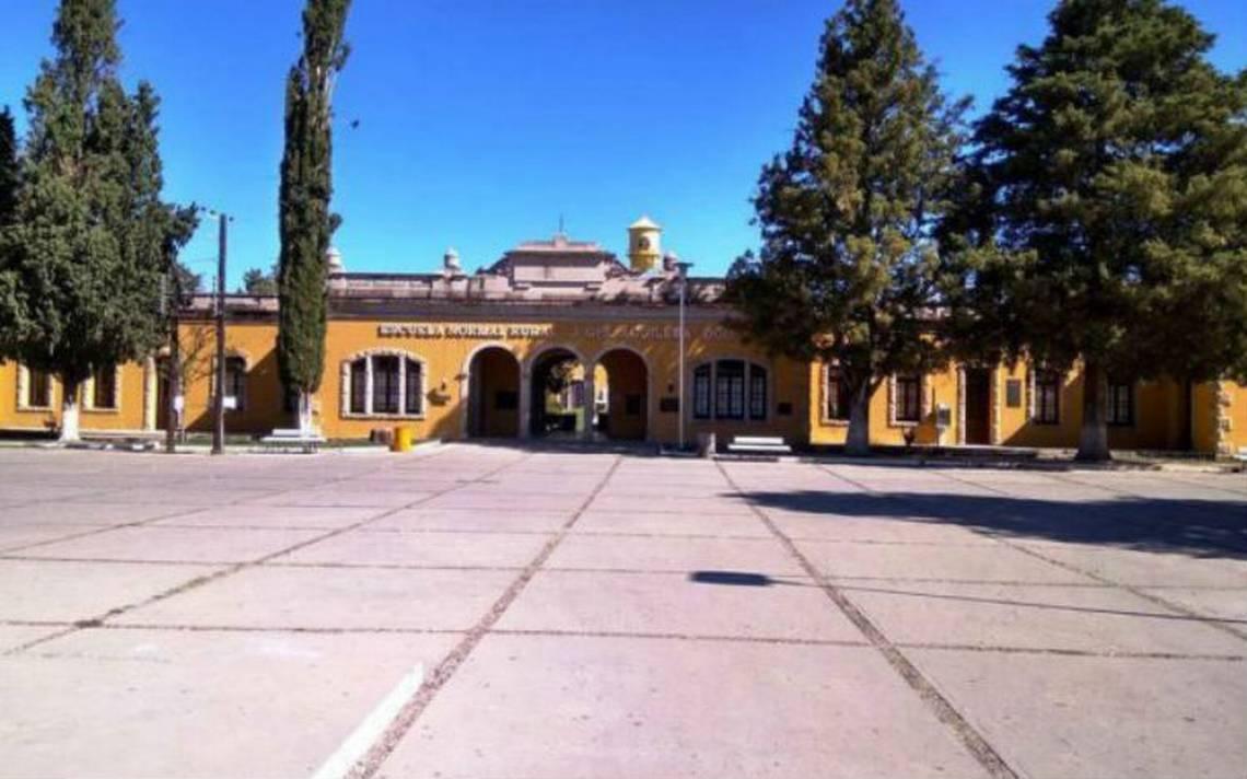 Detienen a ex director y subdirector de la Normal Rural de Aguilera, Durango