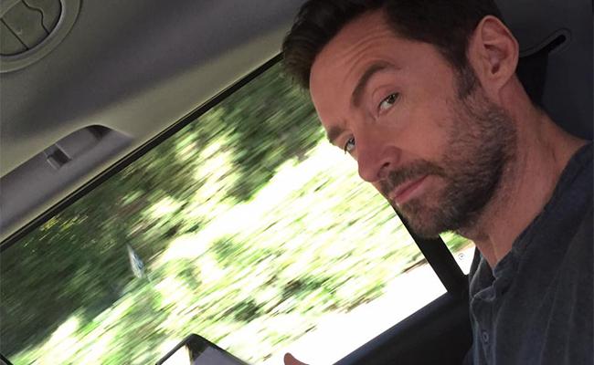 """Hugh Jackman te recuerda: ¡viernes 3 de marzo, estreno de """"Logan""""!"""