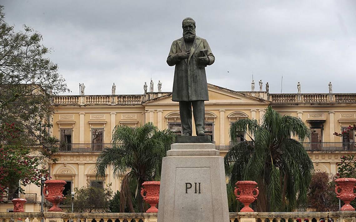 Brasil mejorará la seguridad en los museos tras incendio en Río