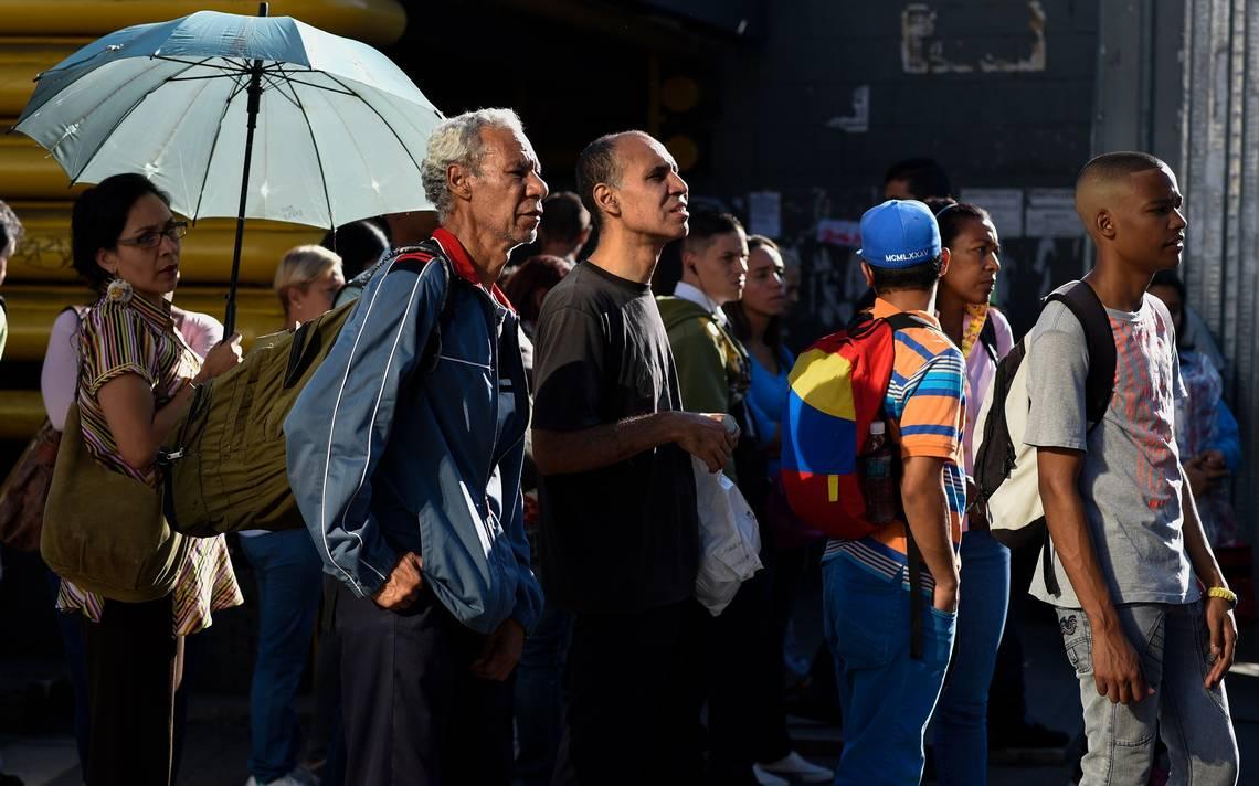 Gobierno de Maduro dice que venezolanos regresarán tras éxodo a Perú