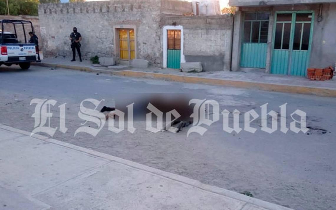 Linchan a tres sujetos por asaltar un negocio en Puebla