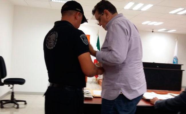Ex edil de Cuautla ingresa a penal, acusado de peculado