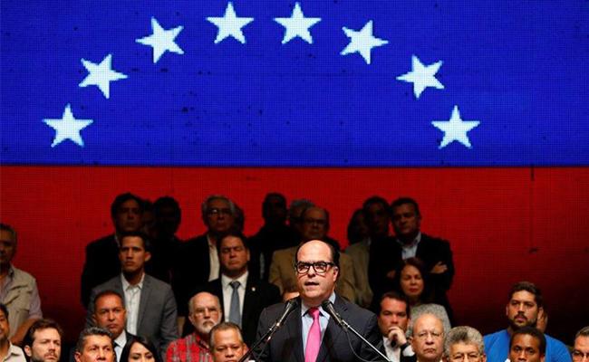 Oposición venezolana impulsa referéndum contra Maduro