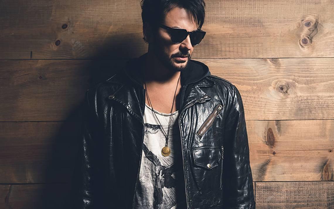 Beto Cuevas evoluciona en su forma de hacer música para llegar a más personas