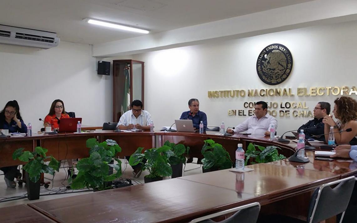 """Consejeros del INE evalúan renuncias de """"juanitas"""" en Chiapas"""