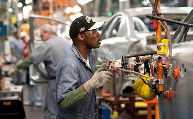 Actividad de manufactura en EU aumenta a máximo nivel desde 2014