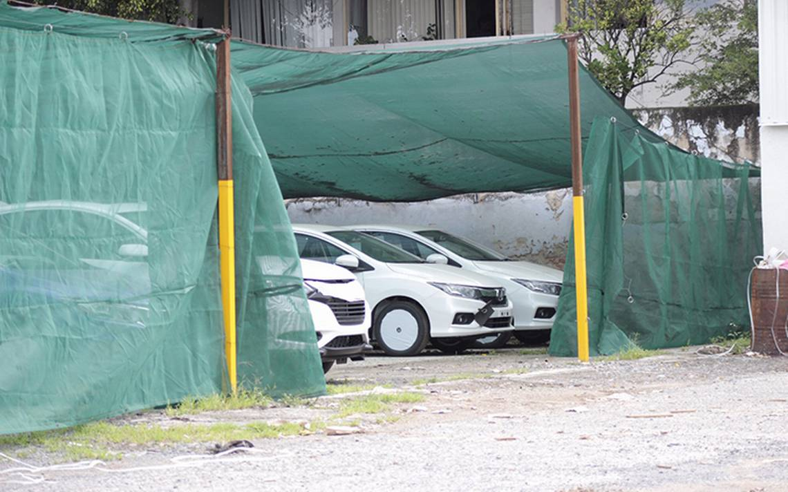 Roban 10 autos de bodega en Guadalajara