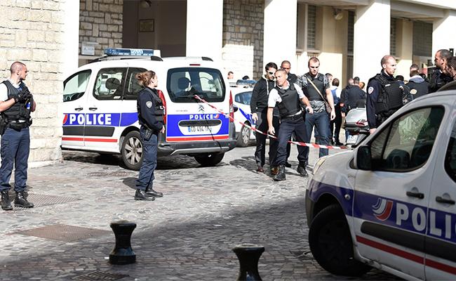 Detienen a un hombre por el atropello de militares cerca de París