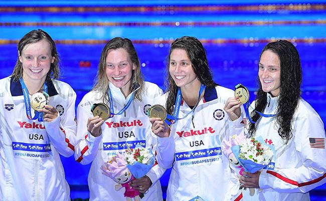 Cuarto oro para  Katie Ledecky en los 4×200 metros libres femenino