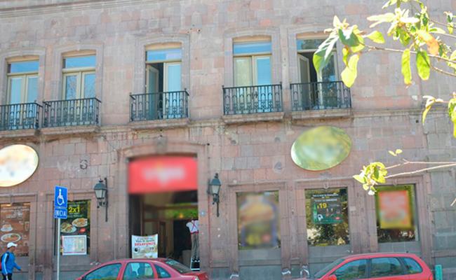 Niño cae desde balcón en Querétaro