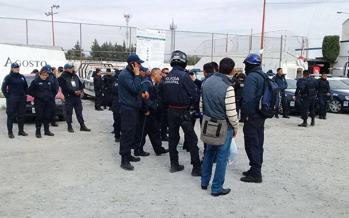 Desmantelan a policA�as municipales de Texmelucan en megaoperativo