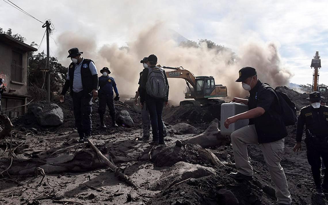 Incrementa a 99 cifra de muertos en Guatemala; Volcán de Fuego sigue con explosiones