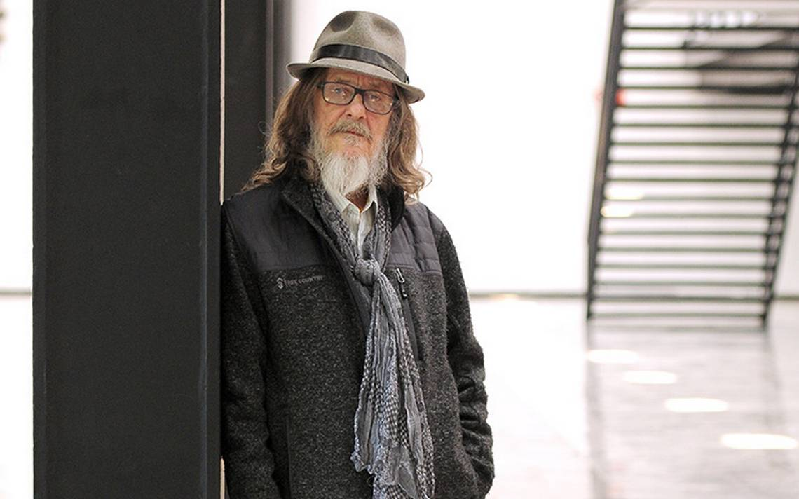 Gabriel Retes celebra medio siglo de ser un creador poco convencional