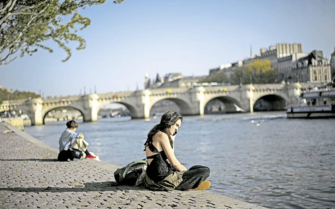 Francia prepara ley para castigar el acoso sexual callejero