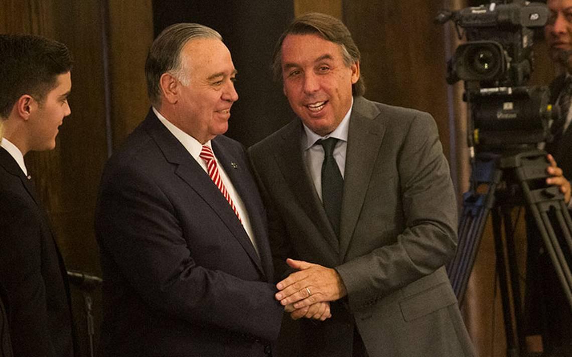 México ha superado muchas crisis, dice Azcárraga sobre el tema de la bancarrota