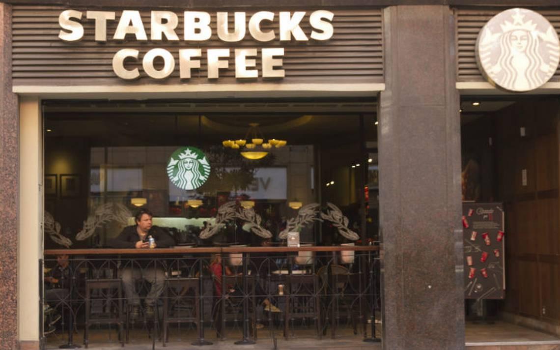 Starbucks otra vez bajo polémica en EU por discriminación