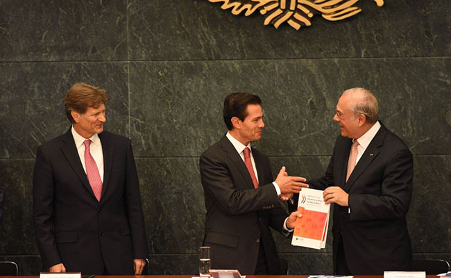 México ya es una potencia en sector turismo, resalta Peña Nieto