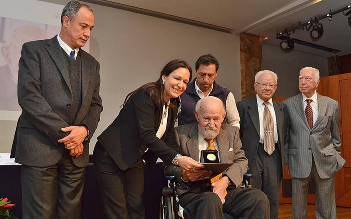 Ingeniero Óscar de Buen recibe medalla Bellas Artes 2017