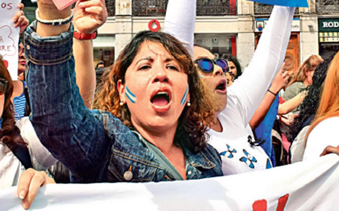 Latinoamericanos desconfían de sus gobiernos
