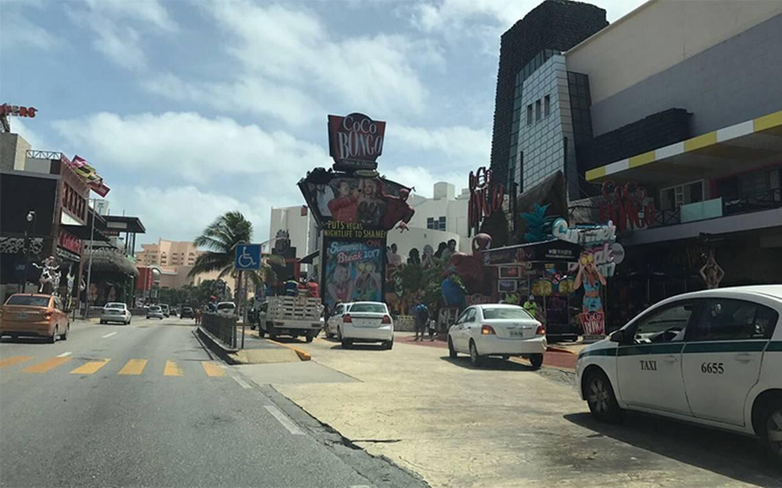 Caos en Cancún por nueva balacera en plena zona hotelera